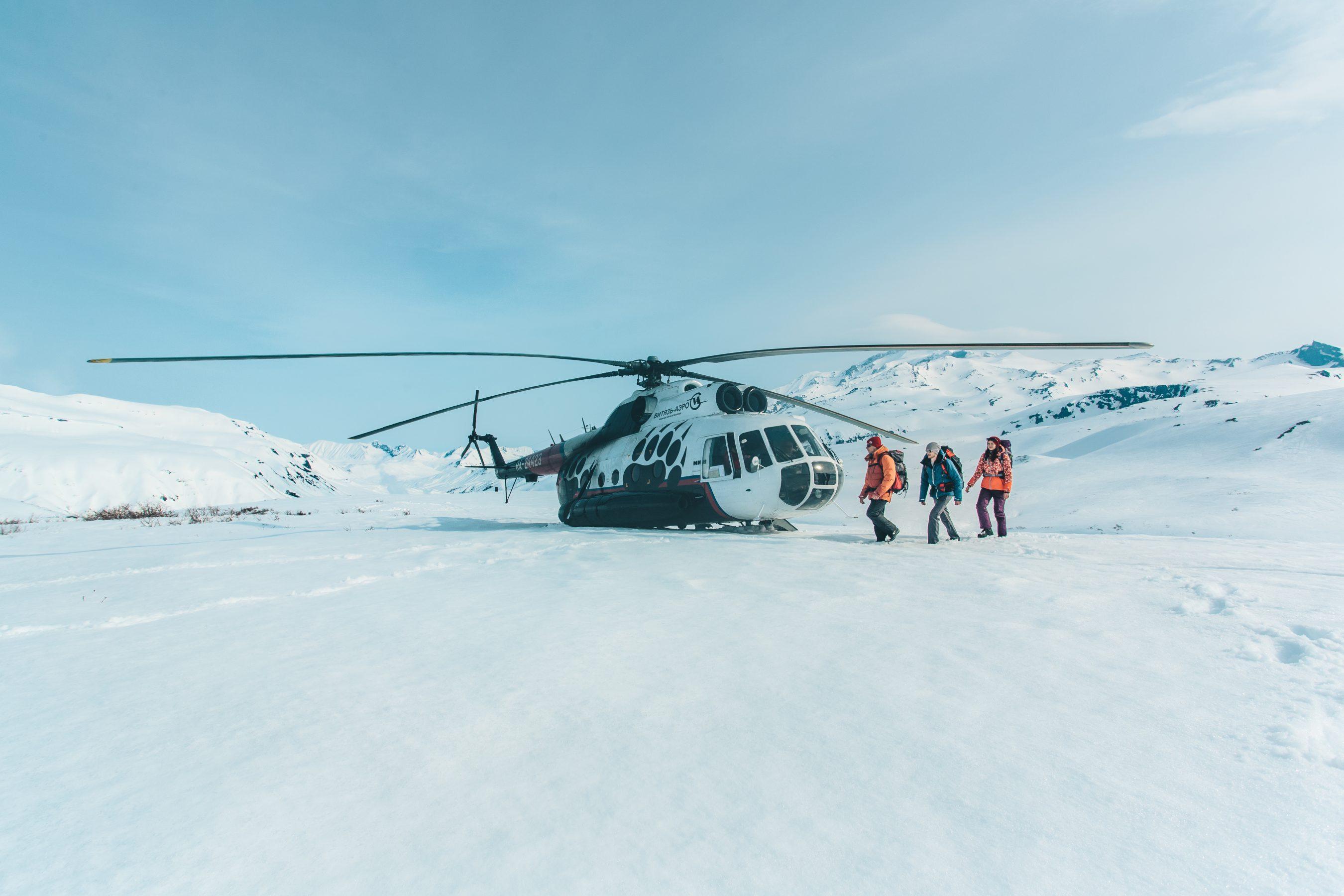 Высадка из Ми-8 в горах Камчатки